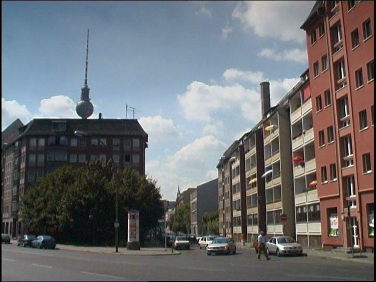 Seniorenwohnheim und Fernsehturm